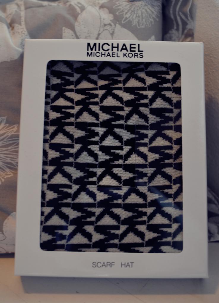 new in michael kors the l fashion. Black Bedroom Furniture Sets. Home Design Ideas