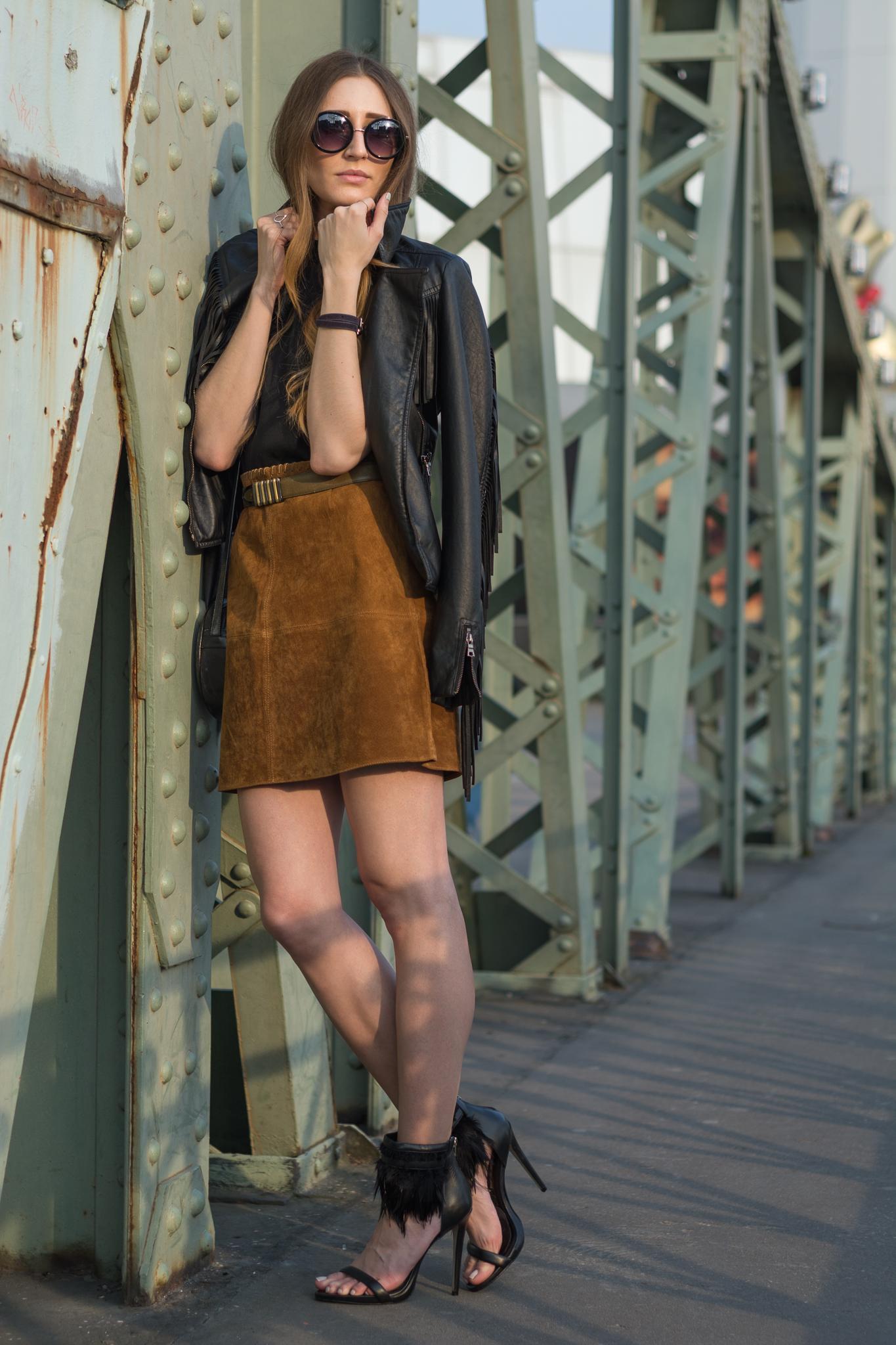 Suede skirt and fringe leather jacket | Lisa Fiege