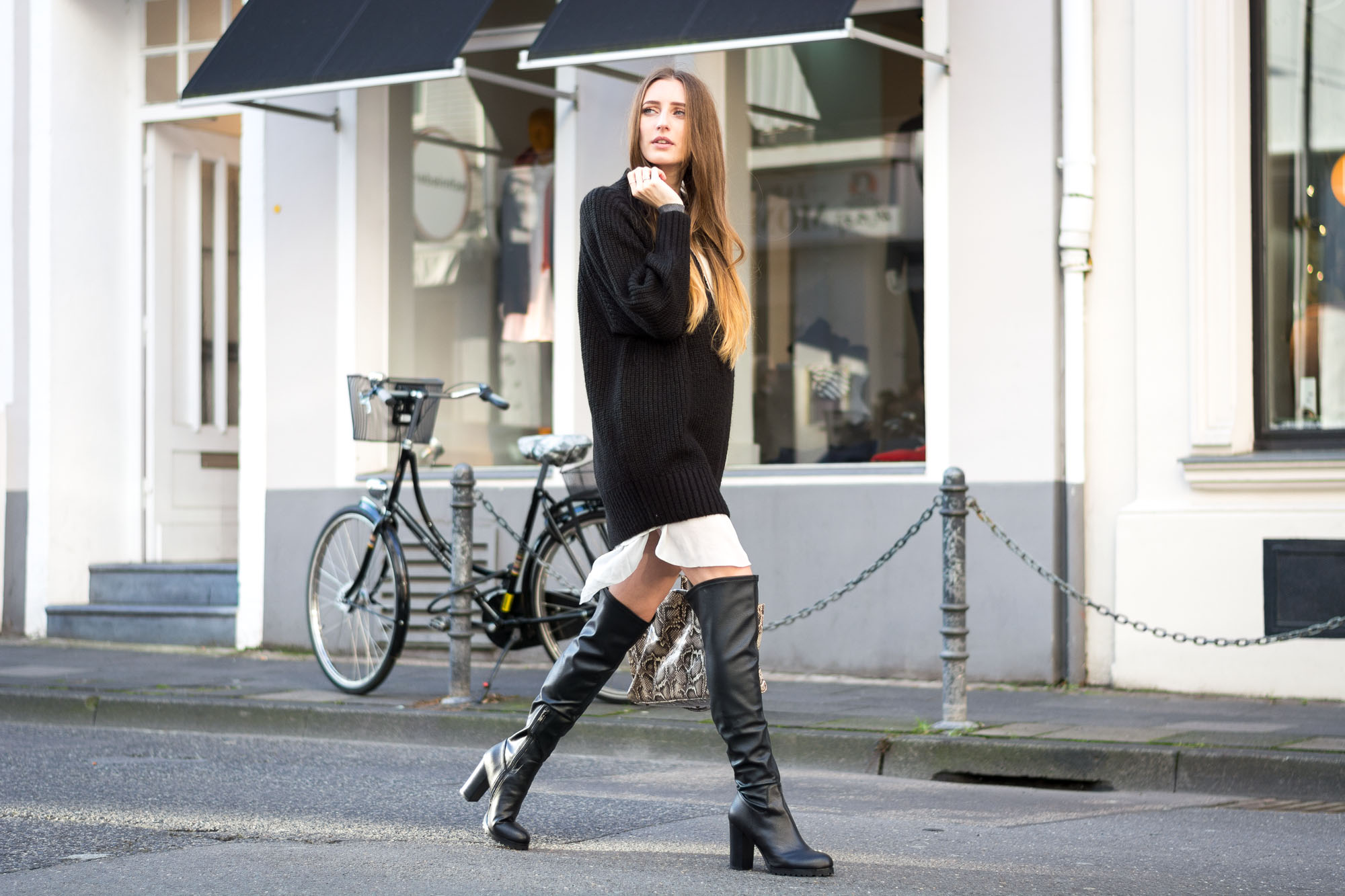 The Perfect Overknee Boots by Buffalo Lisa Fiege