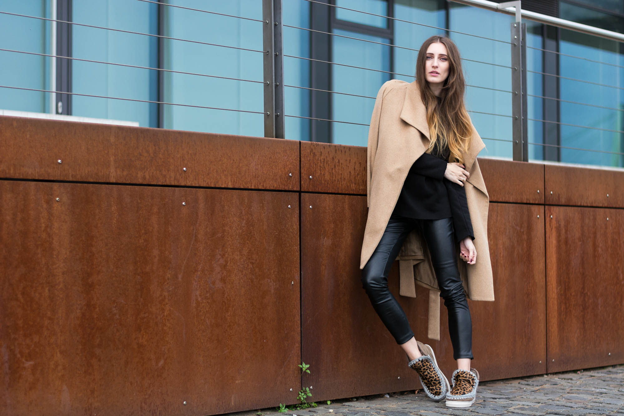 casual cold weather look with mou boots