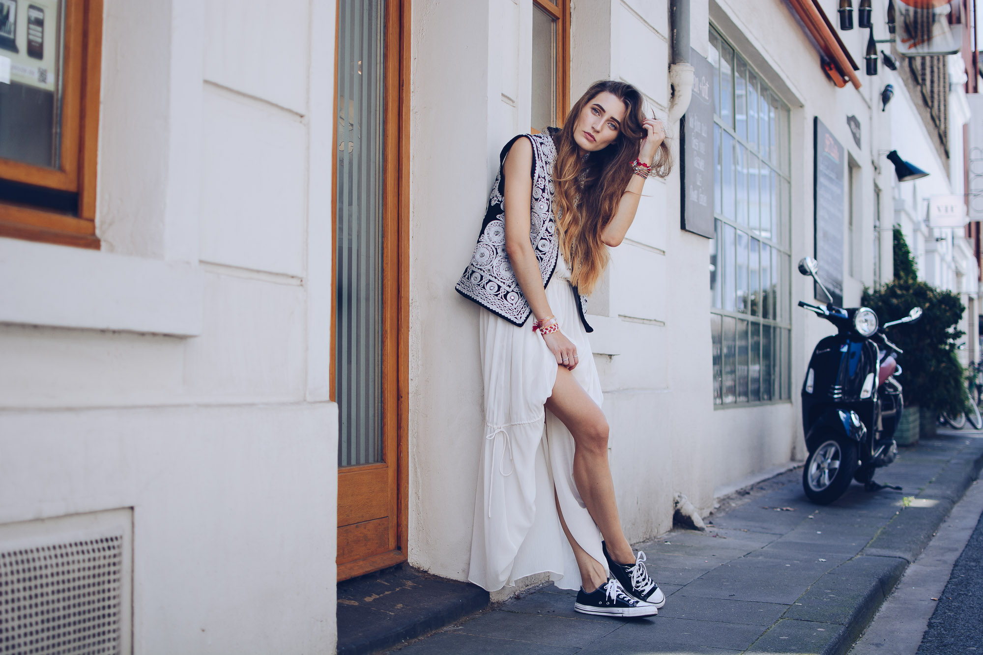 Maxi Dress & Chucks | Lisa Fiege
