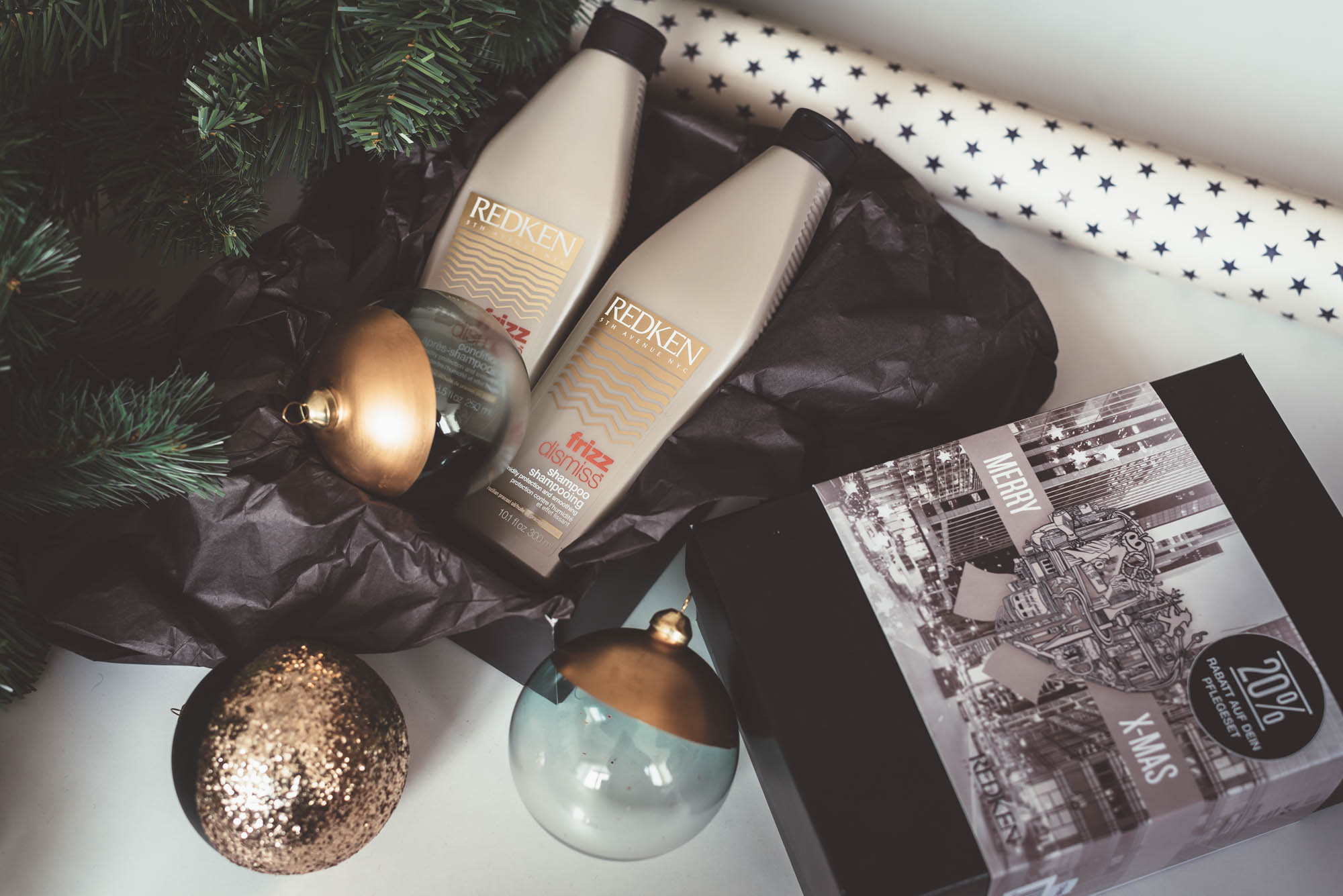 Christmas Gift Guide for Her | Redken Shampoo & Conditioner XMAS Gift Set | Lisa Fiege