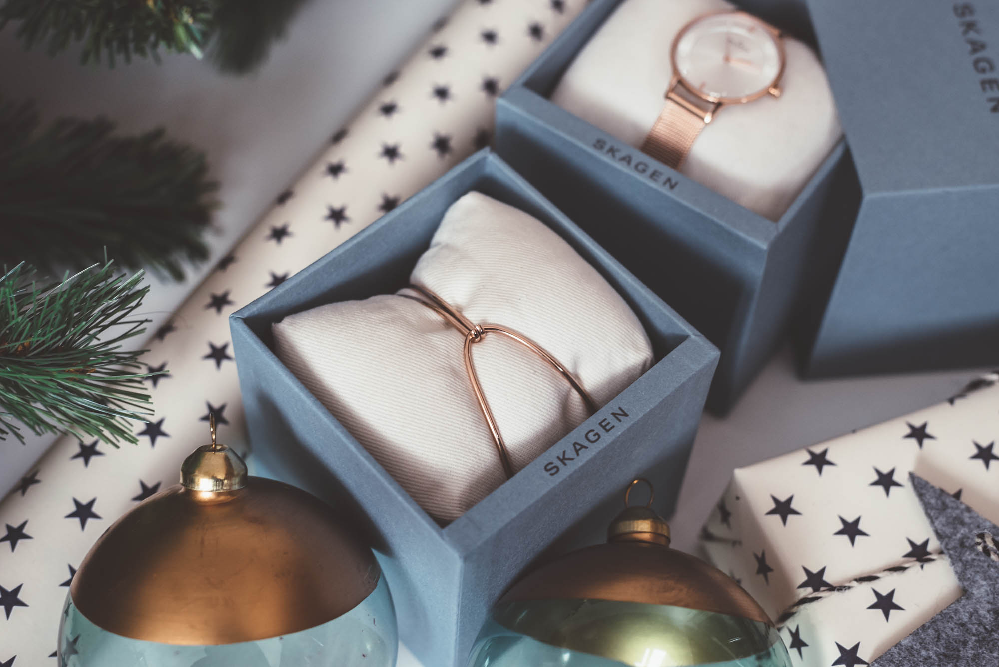 Christmas Gift Guide for Her | Skagen Watch & Jewelry | Lisa Fiege