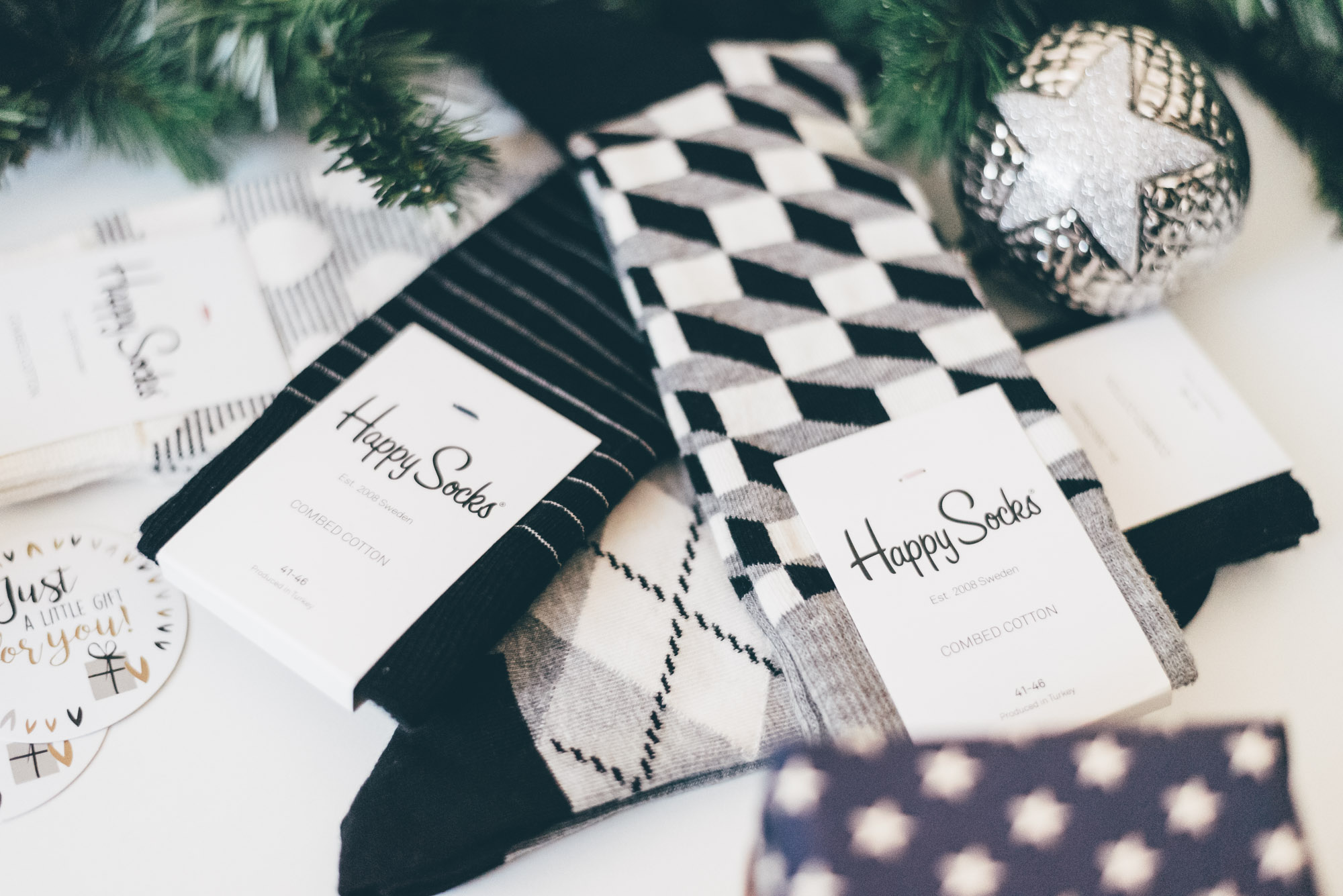 Christmas Gift Guide for Him   Lisa Fiege