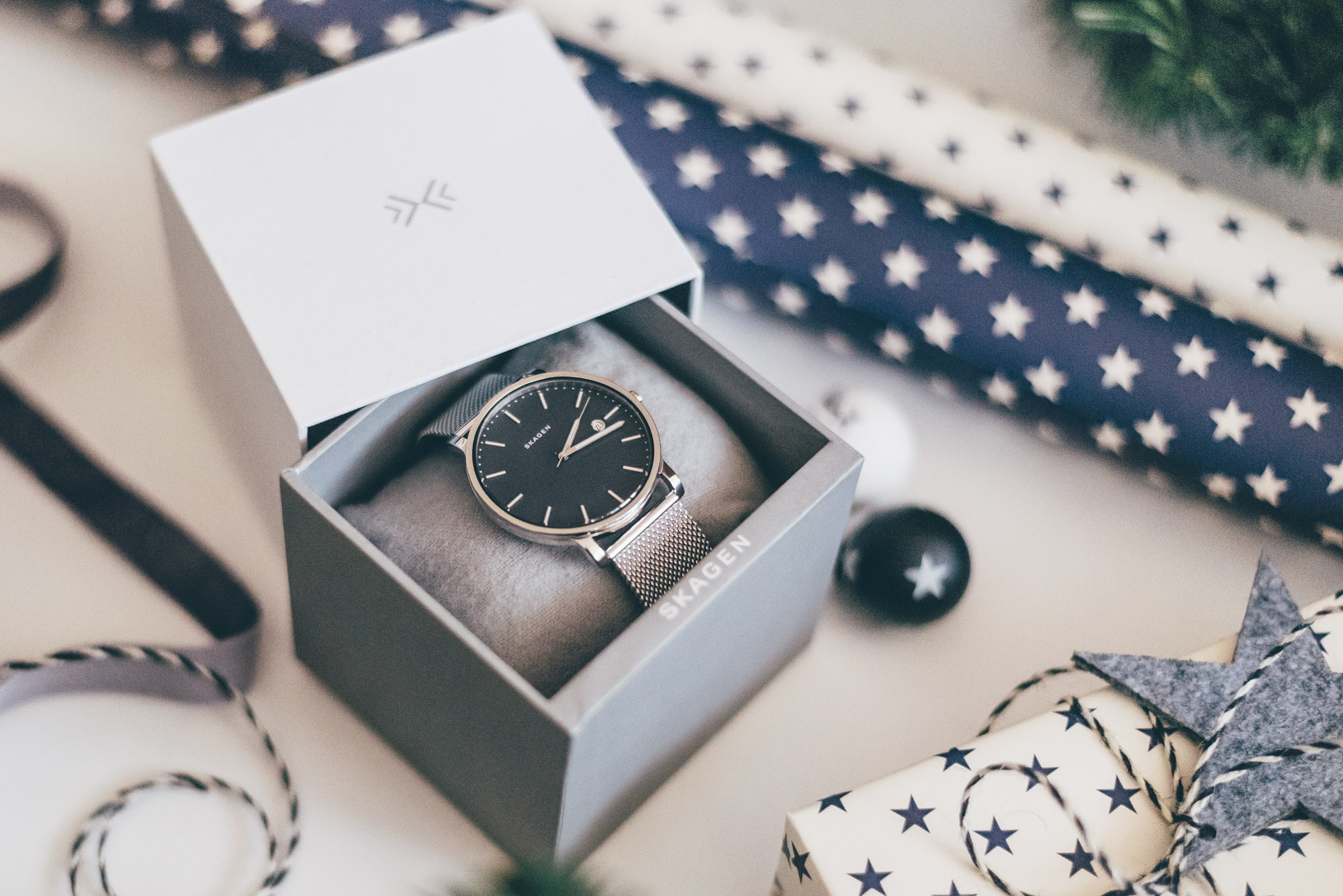 Christmas Gift Guide for Him   Skagen Hagen Watch   Lisa Fiege
