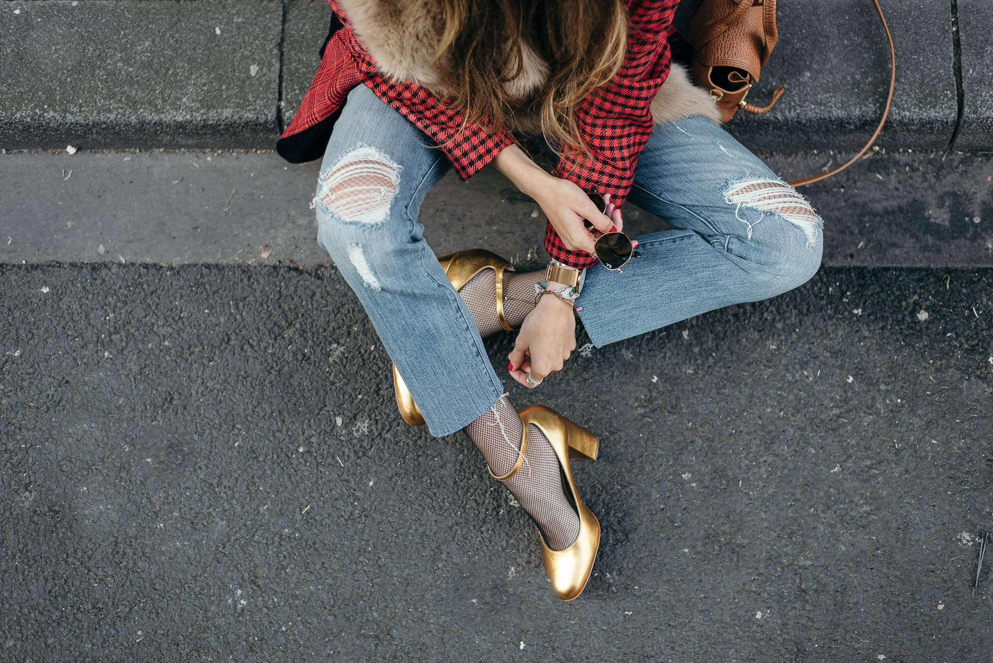 Gold Pumps by Buffalo | Lisa Fiege