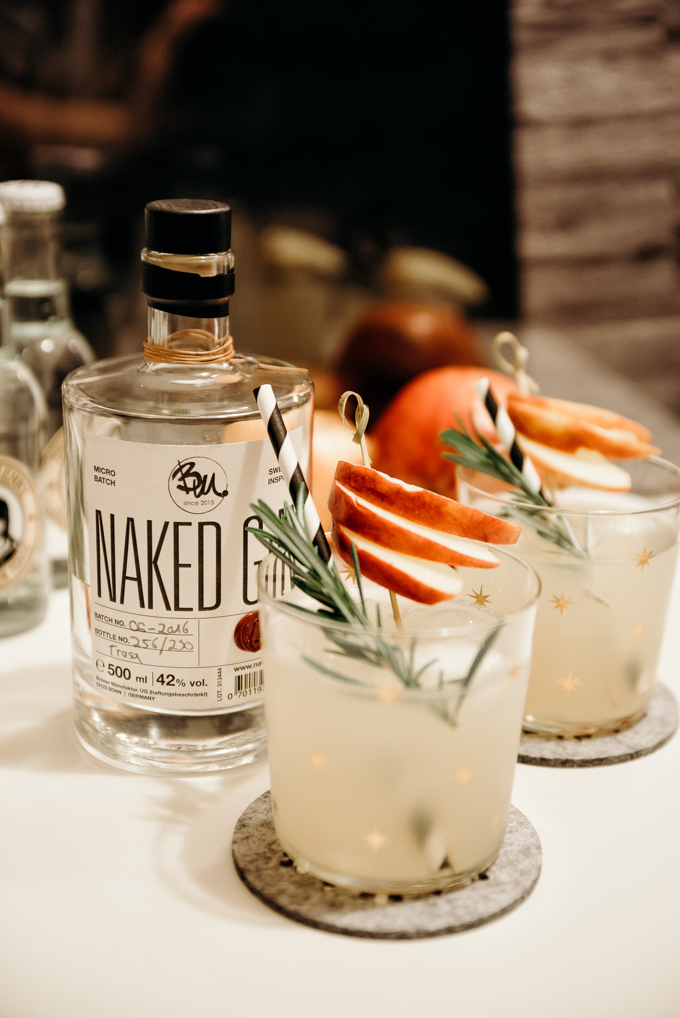 Naked Gin | Lisa Fiege
