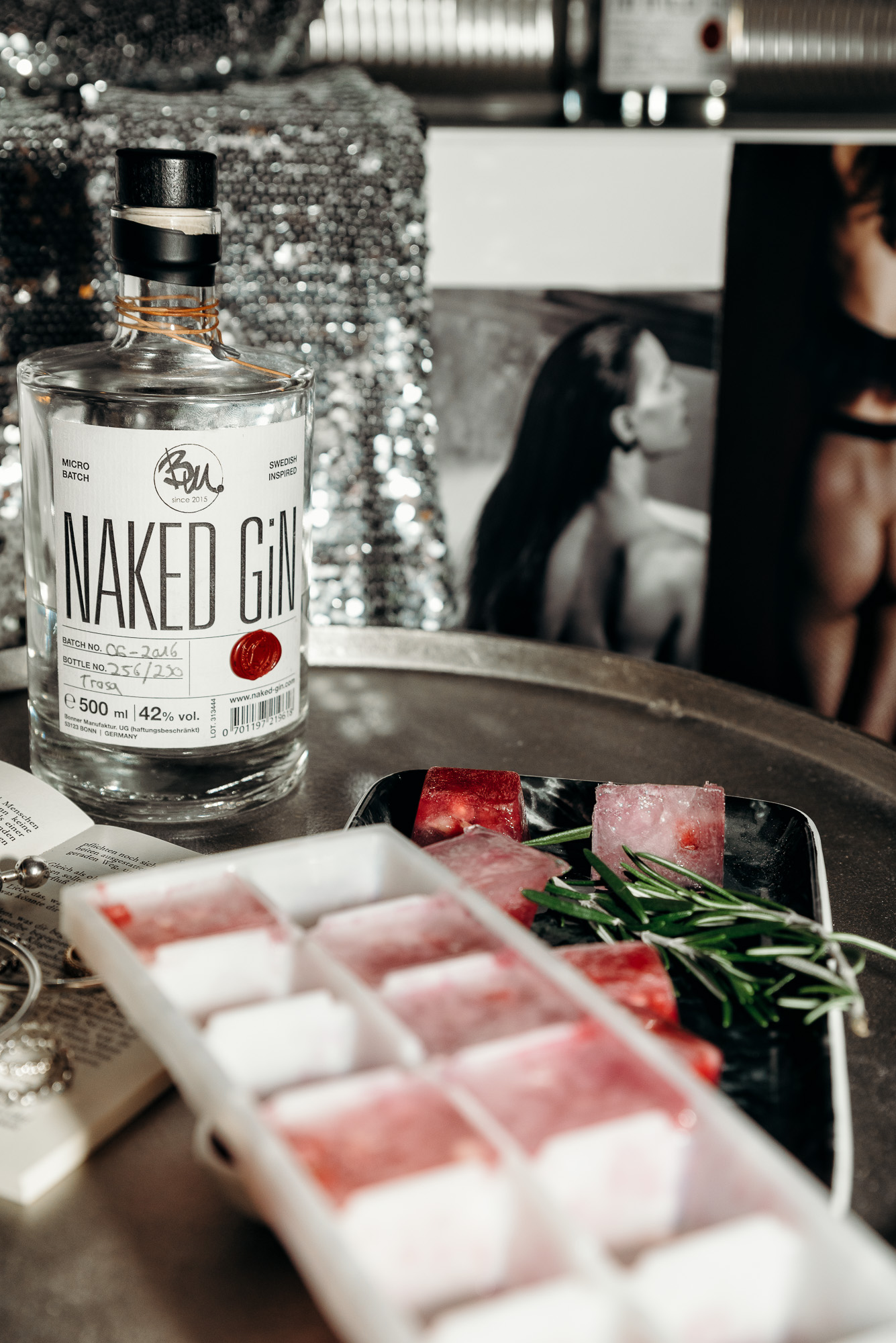 Naked Gin | Lisa Fiege